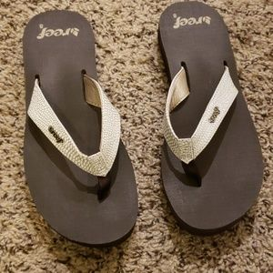 Reef White and Silver Sandals Sz 8